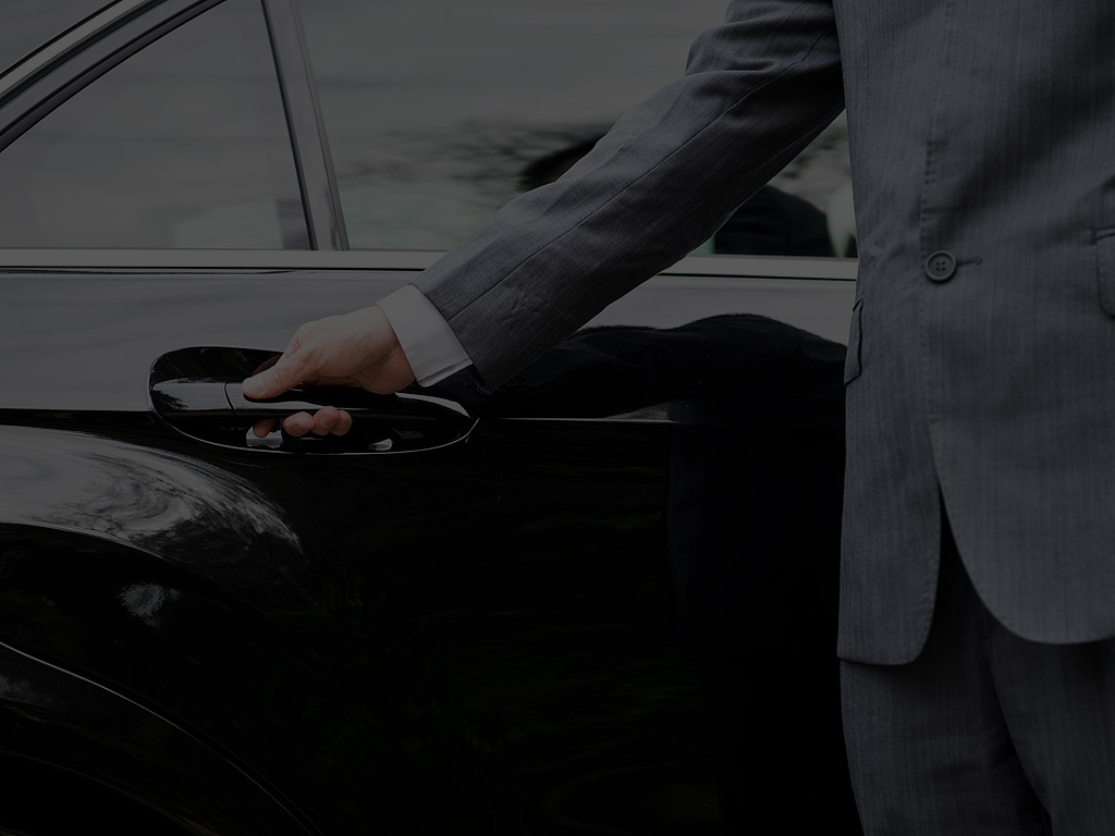 Luton Airport Transfers 24 Hours Taxis Minicabs To Luton